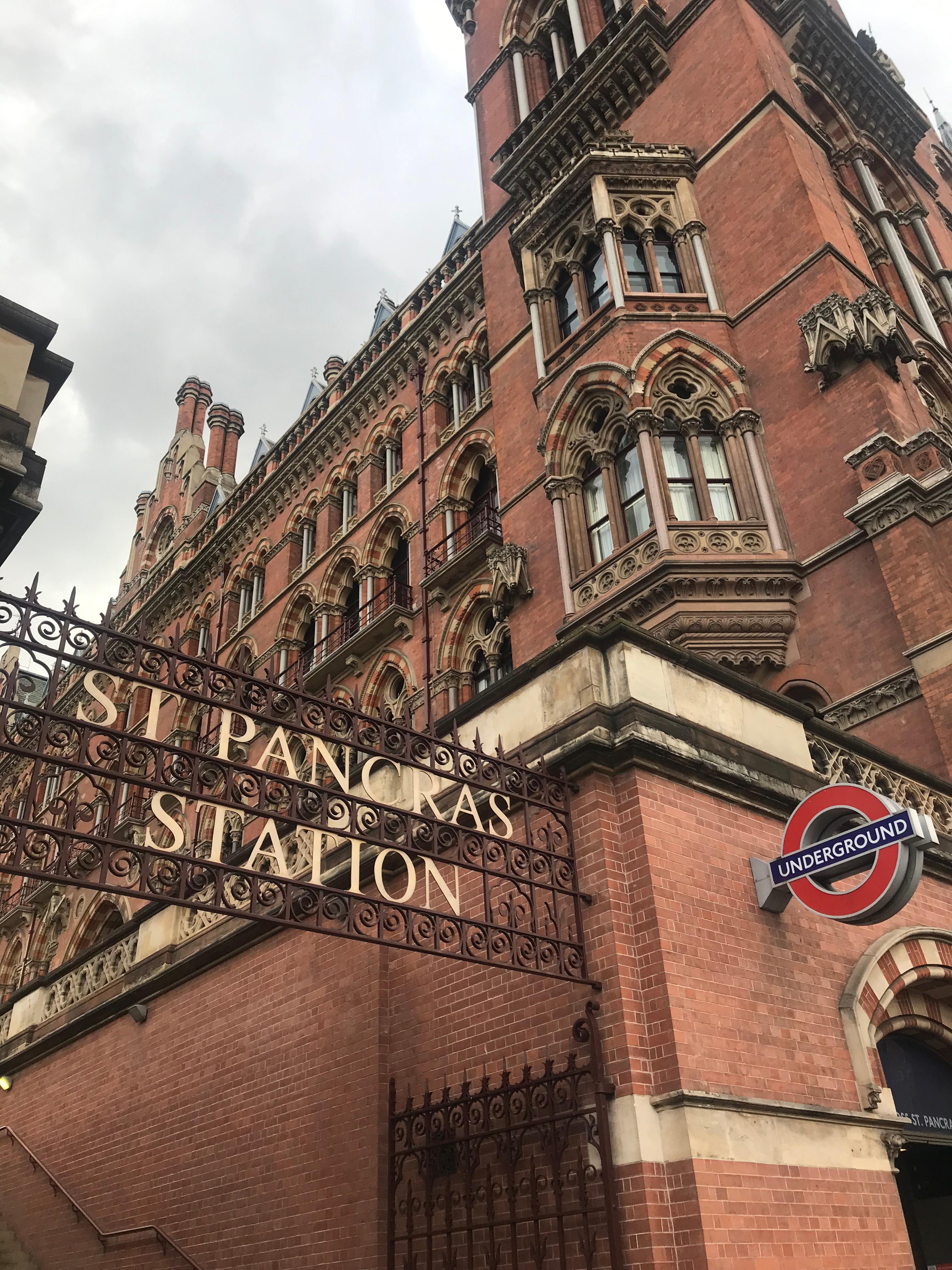 Arrivati a Londra alla Stazione di San Pancrazio , Protettore di Taormina!